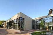 Die neue Schule in Hohen Neuendorf erzeugt sogar mehr Energie als benötigt wird. Das Plusenergie-Konzept ermöglicht zugleich guten Raumkomfort und ist zudem wirtschaftlich.