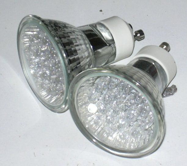 Ampoules, Copyright © Xavier Bonnafous, Quelle: http://commons.wikimedia.org/wiki/File:Ampoules.jpg