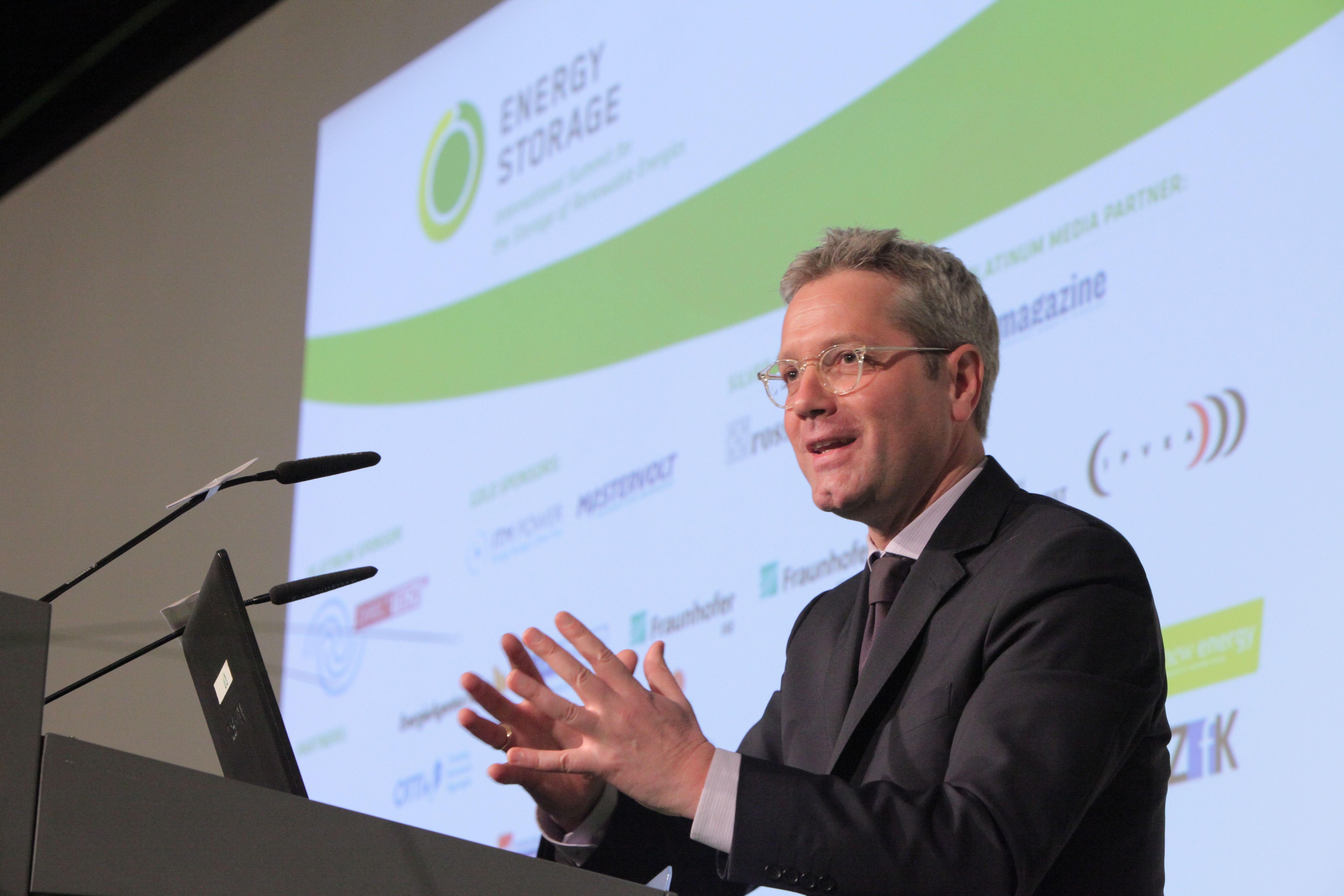 Bundesumweltminister Dr. Norbert Röttgen sprach heute zum Auftakt der Energy Storage