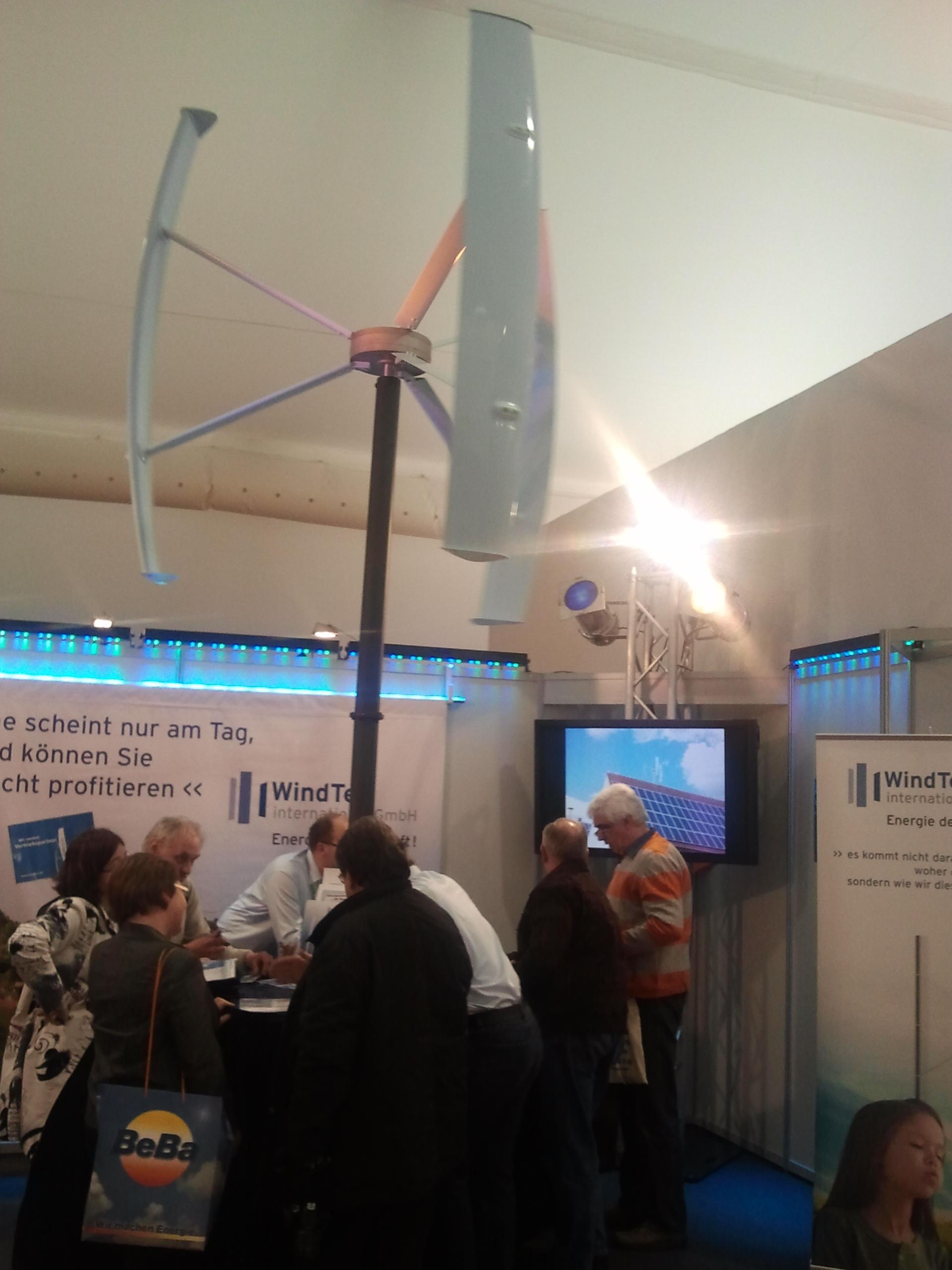 Vertikales Windrad auf der New Energy Husum, Foto: Patrick Jüttemann