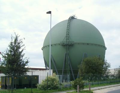 Gas-Kugelbehälter, Quelle: halmackenreuter / pixelio.de