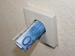 Strompreise steigen, Quelle: Dieter Schütz  / pixelio.de