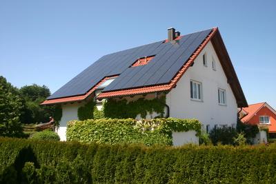 Fotovoltaikanlage 11,95 kWp, Quelle: Uwe Steinbrich / pixelio.de