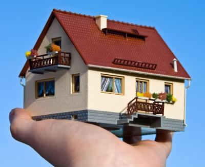Energieberatung für energetische Gebäudesanierunge, Quelle: Thorben Wengert / pixelio.de