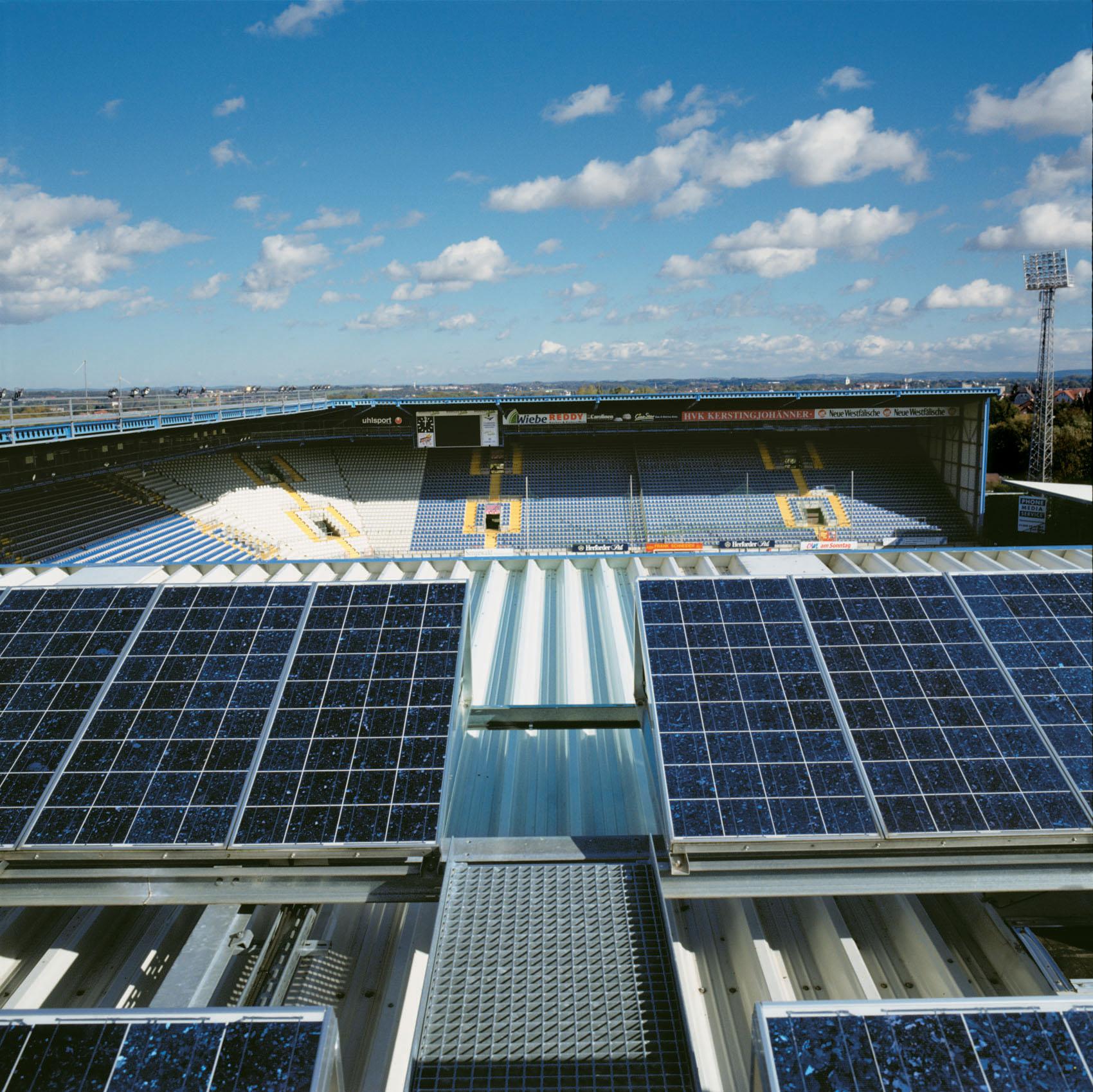 Schüco-Arena in Bielefeld mit Solarstrom-Anlage, Foto: BSW-Solar/SMA Solar