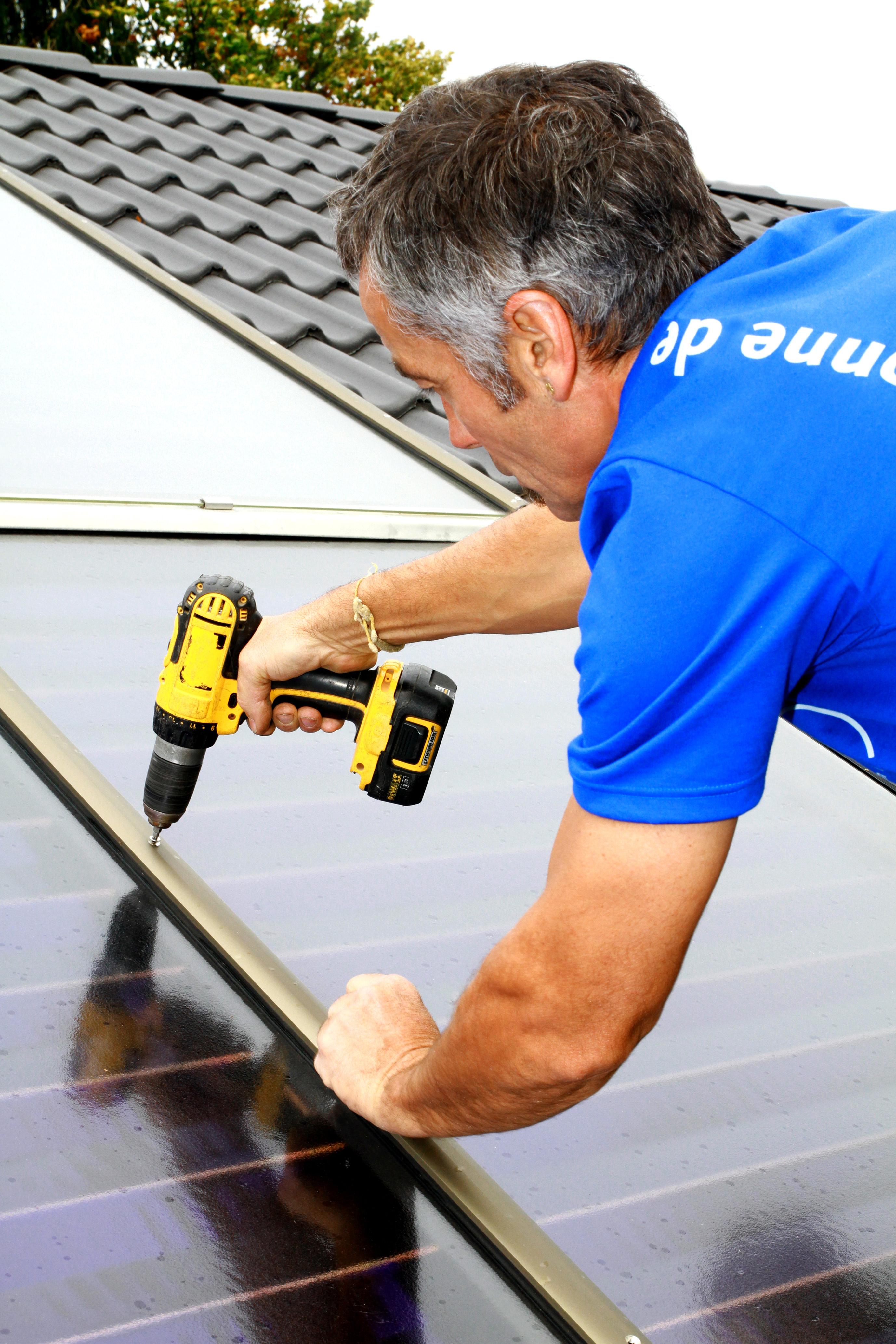 Installation von Solarmodulen, Quelle: BSW-Solar
