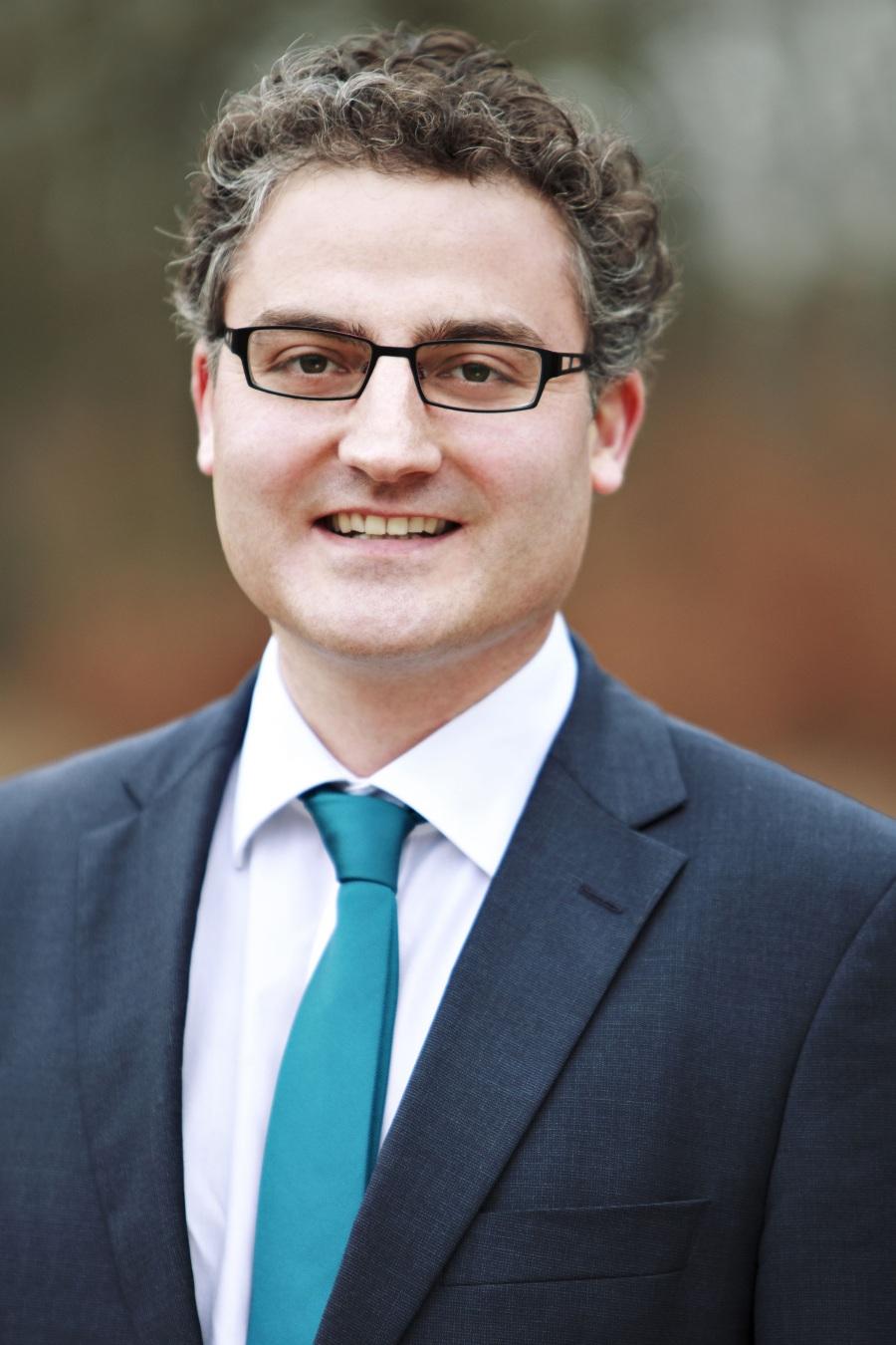RA Dr Fabio Longo