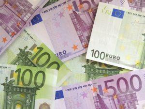 Geld für neue Projekte bei erneuerbaren Energien und Energieeffizienz durch Crowdfunding, Foto: pixabay.de