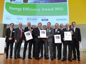 dena verleiht Energy Efficiency Award 2013 / Preise für herausragende Energieeffizienzprojekte von Salzgitter Flachstahl, erecon, Caféhaus LANGES und EJOT Fastening Systems