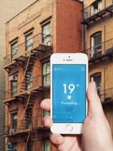 tado° Coolin app vor einem Haus in Manhattan, Foto: tado°