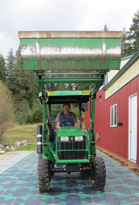Tractor Solarroadway