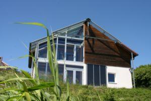 Schwere Auswahl für Einfamilienhaus-Bauherren am Beispiel des Bio-Solar-Haus