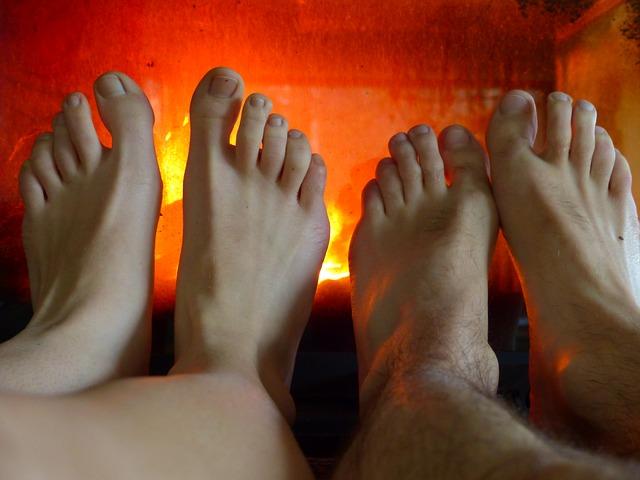 feet 99991 640