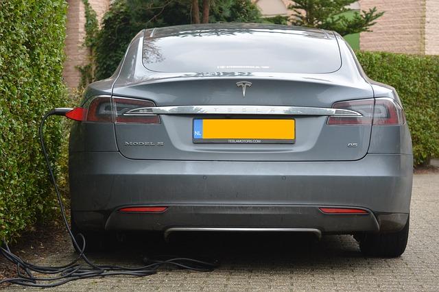 Tesla bringt Haushalts-Batteriespeicher auf den Markt