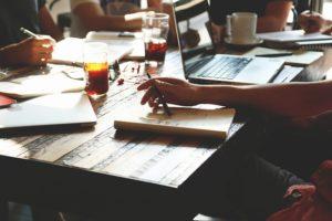 Im Netzwerk mehr Energieeffizienz, Foto: pixabay/ Start, Start-Up, Menschen, Silicon Valley, Teamarbeit×  Bedanke Dich bei unseren freiwilligen Bildautoren Spendiere uns eine Tasse Kaffee  Kaffee Folge uns    Start Start-Up Menschen Silicon Valley Teamarbeit 10 46   + Public Domain  Arbeitsplatz, Home Office, ComputerArbeitsplatz, Home Office, Computer Start, Start-Up, Notizbücher, Kreative Start, Start-Up, Notizbücher, Kreative Schreiben, Planen, Geschäft, StartSchreiben, Planen, Geschäft, Start Unternehmer, Start, Start-Up, MannUnternehmer, Start, Start-Up, Mann 20 Kommentare Melde Dich an, um einen Kommentar zu schreiben. Tags start, start-up, menschen, silicon valley, teamarbeit, geschäft, team, büro, gruppe, treffen, corporate, konferenz, kaufmann, unternehmen, männer, partnerschaft, tisch, technologie, lässig, erfolgreiche, seminar, kollegen, arbeiten, planung, netzwerk, strategie, zusammenarbeit, professional, notizen, notizblock, stifte, schreiben, laptop, computer, getränke, kaffee , kostenlose fotos, kostenlose bilder StartupStockPhotos StartupStockPhotos