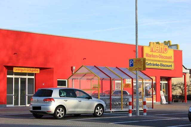 Neue Discounter-Filiale mit Photovoltaik-Anlage als Passivhaus zertifiziert