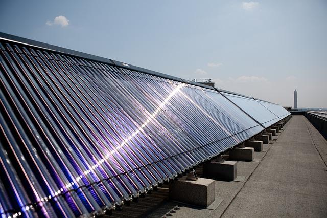 Solare Warmwasserbereitung und Heizung