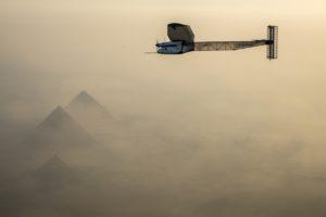 Flug von Solar Impulse 2 über die Pyramiden in Ägypten, Foto: © Solar Impulse | Revillard | Rezo.ch