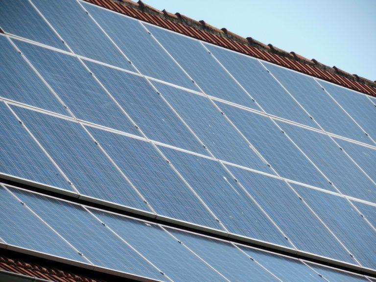 Mieterstrom Leitfaden des BSW-Solar informiert über Besonderheiten und Herausforderungen