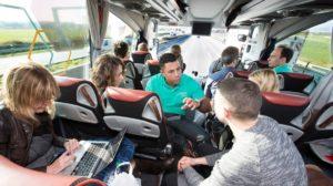 Der dena-Startup-Bus geht wieder auf große Fahrt zur E-World nach Essen