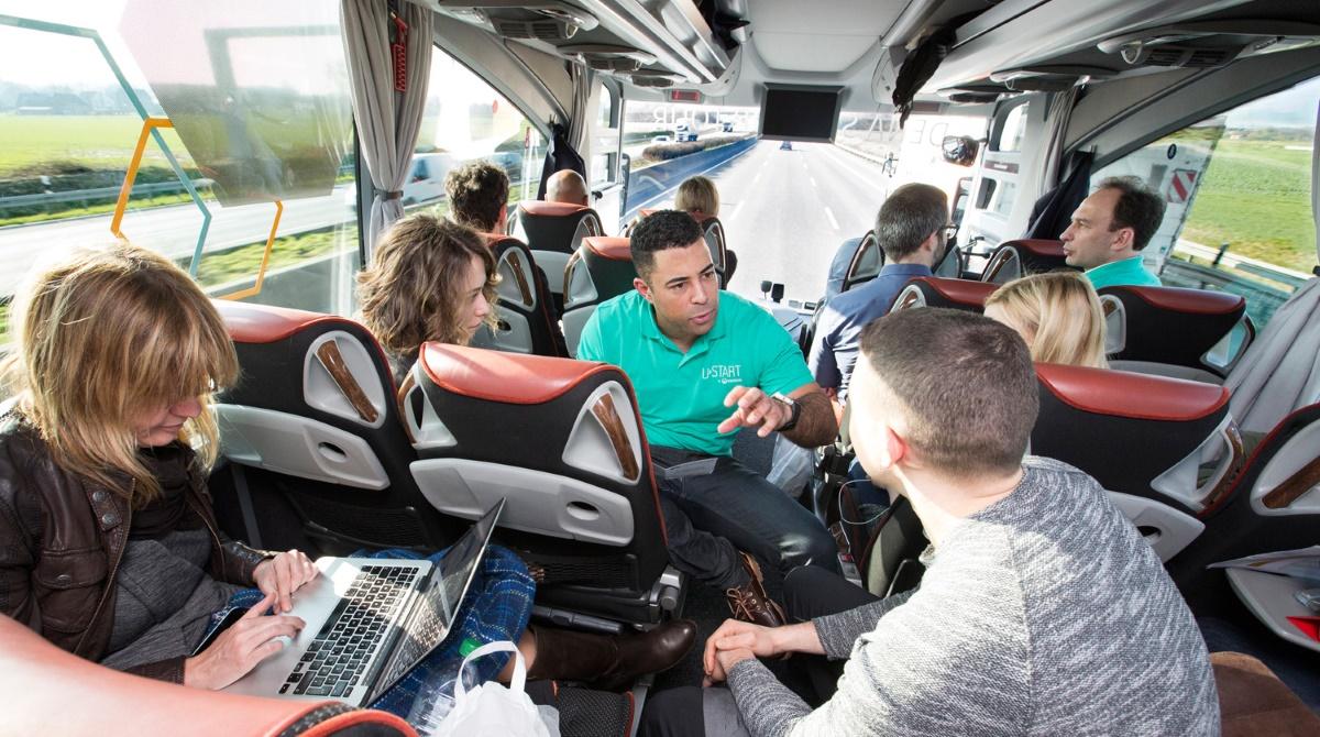 dena-Startup-Bus