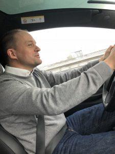 Fahrer Tesla Model X