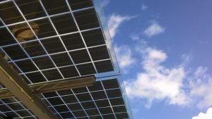 Die Vorteile von Glas-Elementen mit integrierter Photovoltaik Technologie