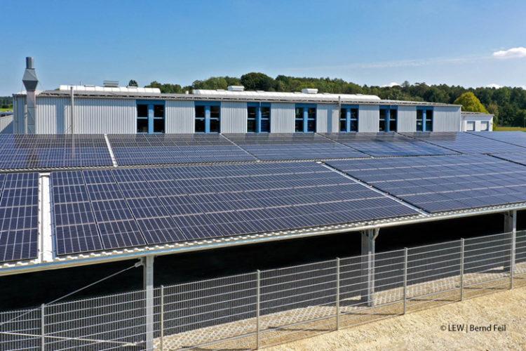 Photovoltaikanlage Parkplatz Renner Etikettiertechnik